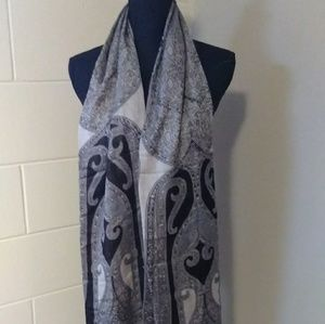 Beautiful scarf/shawl